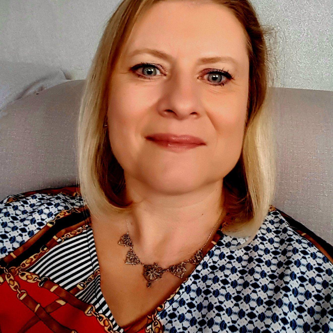 Ruth VAN SEGGELEN